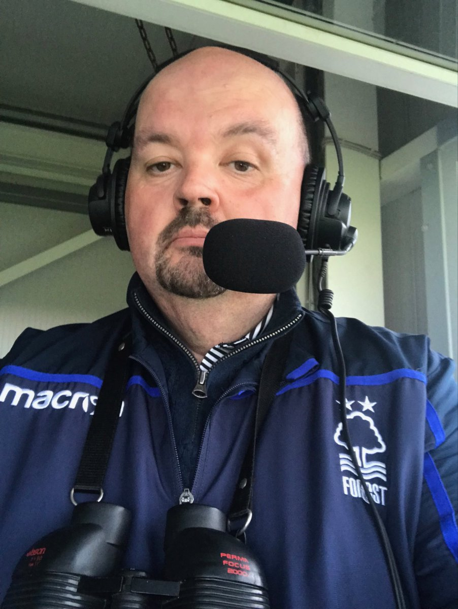 RT @rpdarkhorse: See @AlanMarch1981 isn't the only one to wear the colours when he's commentating! 😆 https://t.co/jJiBmVfjSt