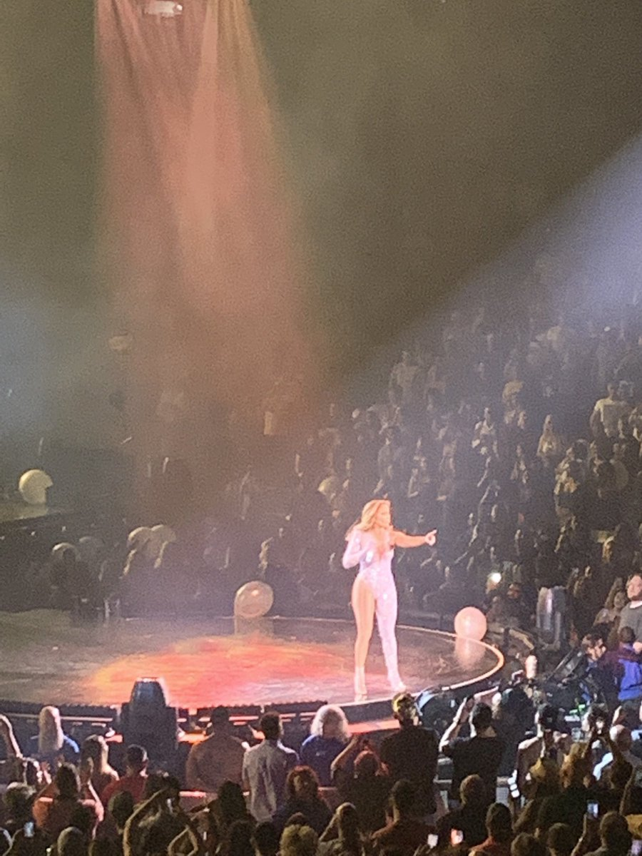 RT @breanaa_m5: @JLo was, hands down, one of THE BEST concerts I've been to. I didn't want it to end ???????? https://t.co/HVYDgc0AyE