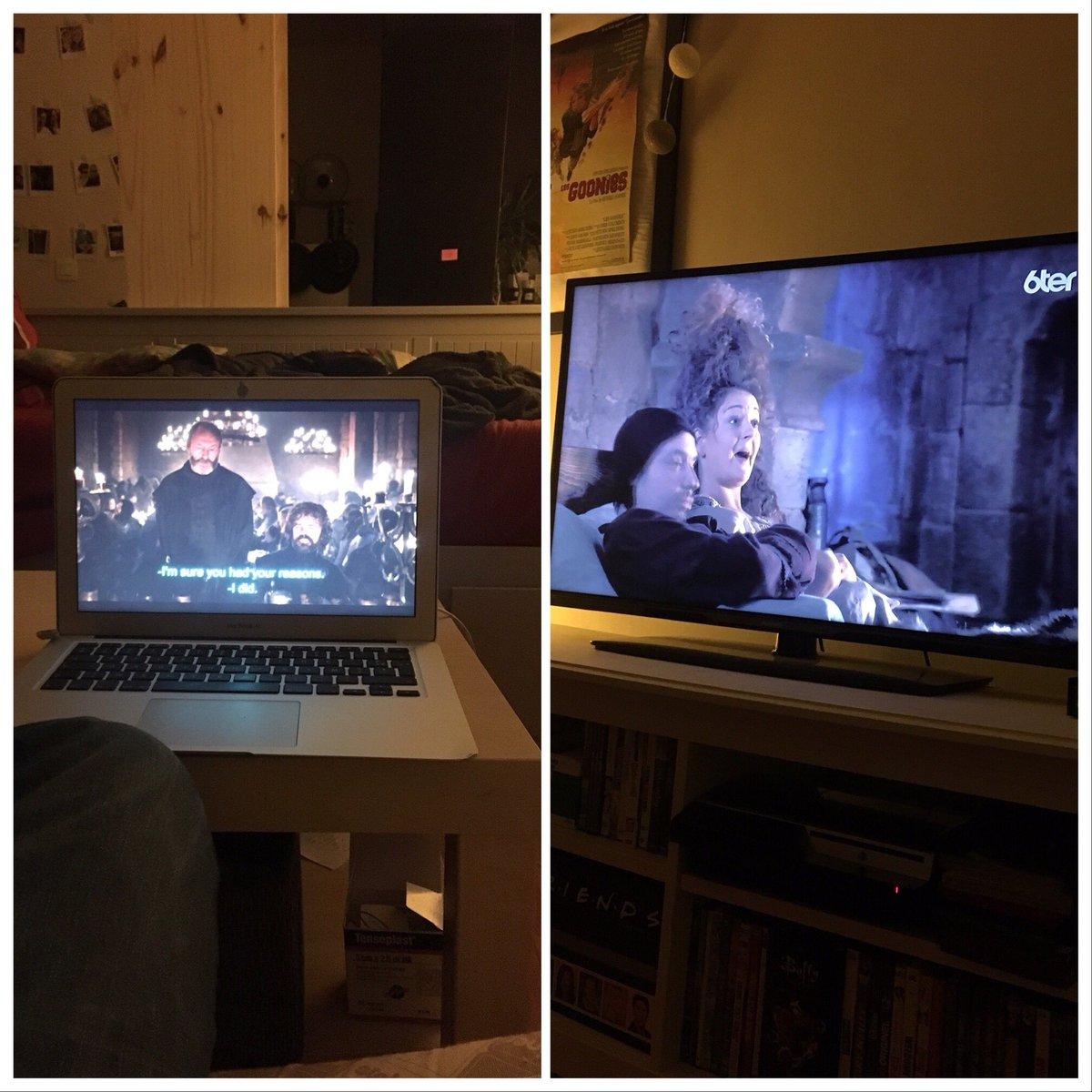 Deux écrans deux ambiances.. #GoTFinale #got #kaamelott #mercialexandreastier @sgtpembry https://t.co/9lYPinmFPq