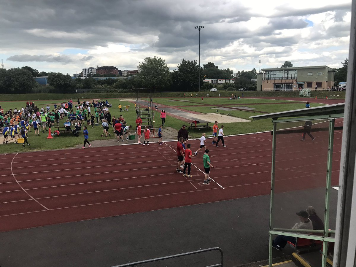 What a great day out @SaffronLaneAthl stadium and a huge turnout of pupils and supporters 😄🥇🥈🥉🏃🏽♂️🏃🏻♀️ #athletics #sports #nwlssp #leicestershire #saffronlane