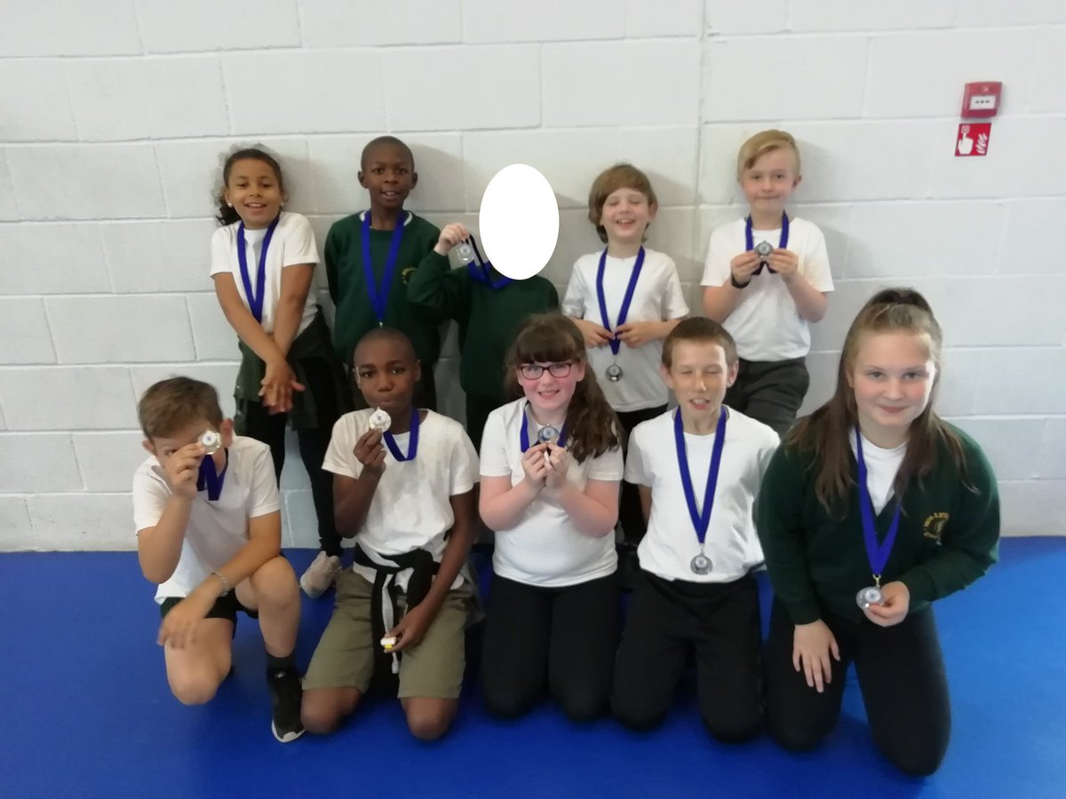 test Twitter Media - Hollywood Golfers from Y3/4 and Y5/6 both had a great time @KingsHeathSP tri golf event both finishing 2nd. Well Done. https://t.co/GLGeabJhv9