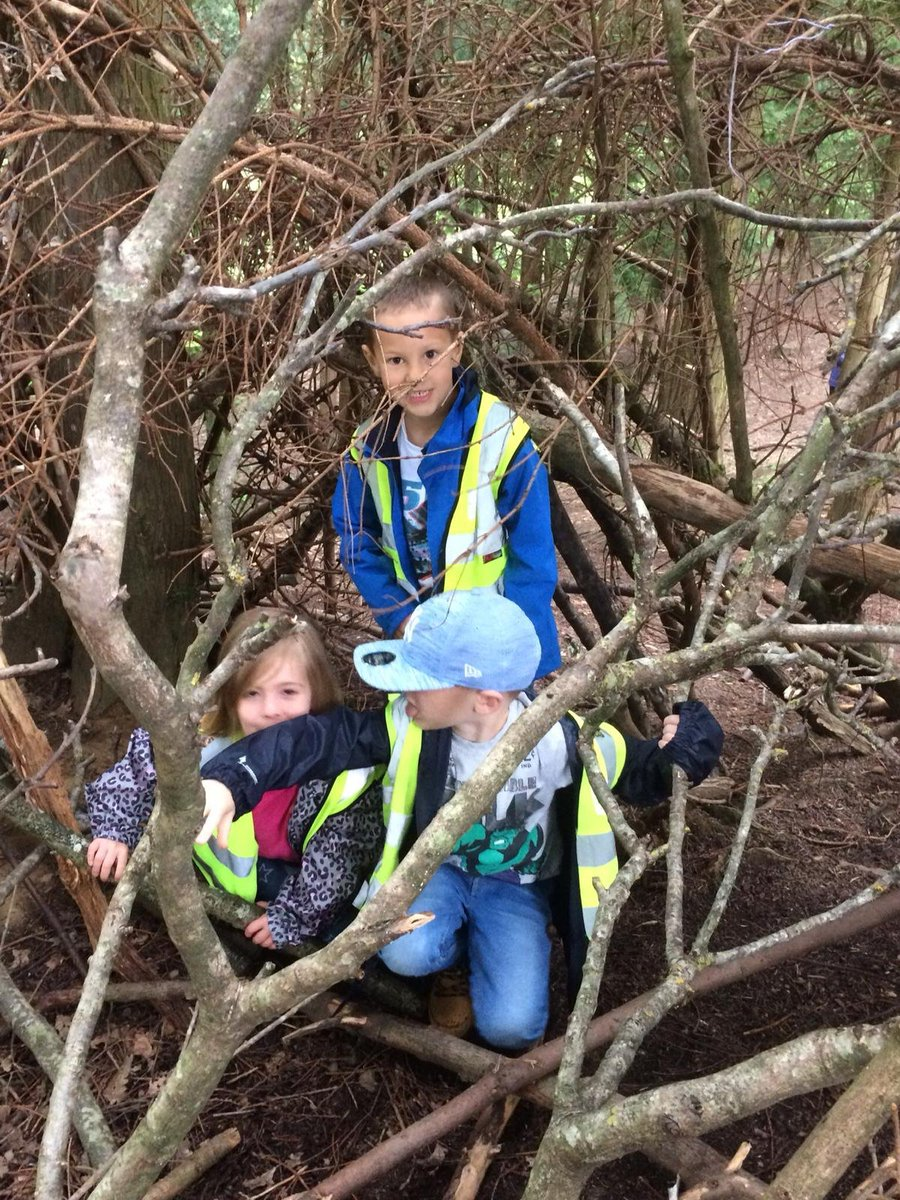 test Twitter Media - Year 1 had a fantastic time on their trip to 'The World Outside'. They built dens, cooked toast on an open fire, picnicked outside with friends, hunted for mini beasts and did some pond dipping too. They recognised trees in the forest 🌳 and even hugged one! #forestschool https://t.co/iFpIXWNYIV