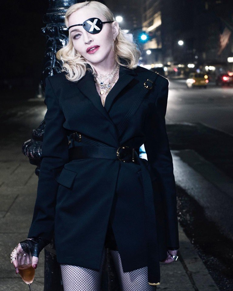 Madame ❌ is happy to be home. ........................???? ????????#nyc #madamex https://t.co/ITYydzo4bE