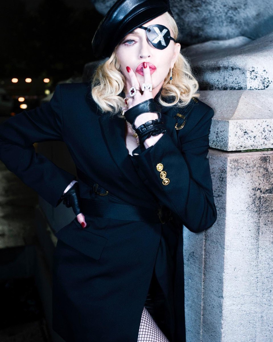 Madame ❌ is waiting for @Anitta .................... ???????????????? #madamex #waitingforanitta https://t.co/7gBtw8GqVu