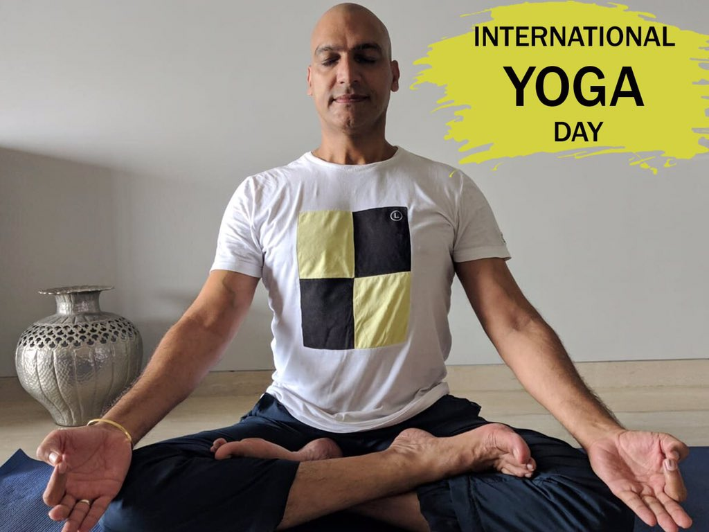 Yoga gives you inner peace and serenity! Regular Yoga keeps one healthy and fresh.  Happy International Yoga Day to All.  #Actor #Yoga #Blessed #Internationalyogaday #Yogaday https://t.co/ssuFnmQmxj