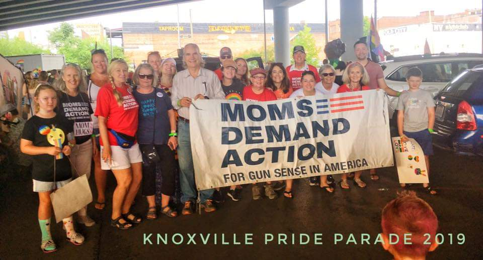 RT @cd_mur: Knoxville TN @MomsDemand  ready for  #KnoxPride #DisarmHate #BeSMART https://t.co/zWqC6Q6iGU