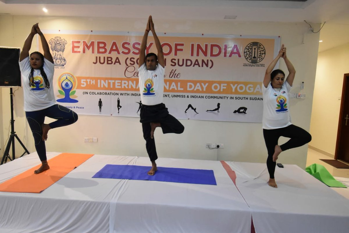 test Twitter Media - Indian Force Signals Unit #FSU deployed with # UNMISS in  South Sudan organised Yoga on the occasion of 5th International yoga day at Indian Emabasy in Juba.  #UN #Peacekeepers of diverse nationalities participated in the event.  #NationFirst  #YogaDay2019  #IDY2019 #AYUSH https://t.co/jtYCnsTCSQ