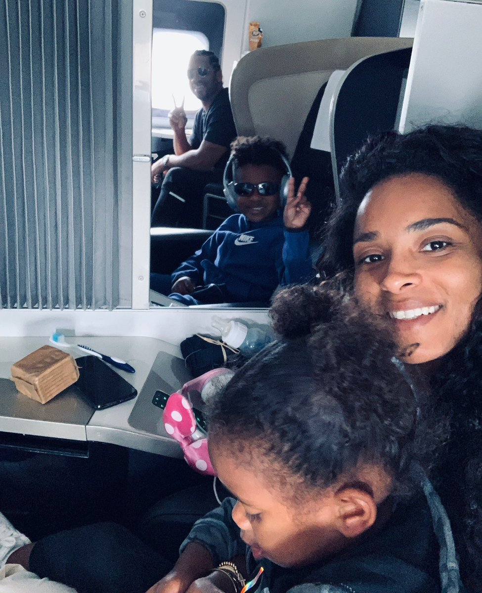 Family flights are the best ❤️ #Family https://t.co/rmjAzYN9Ft