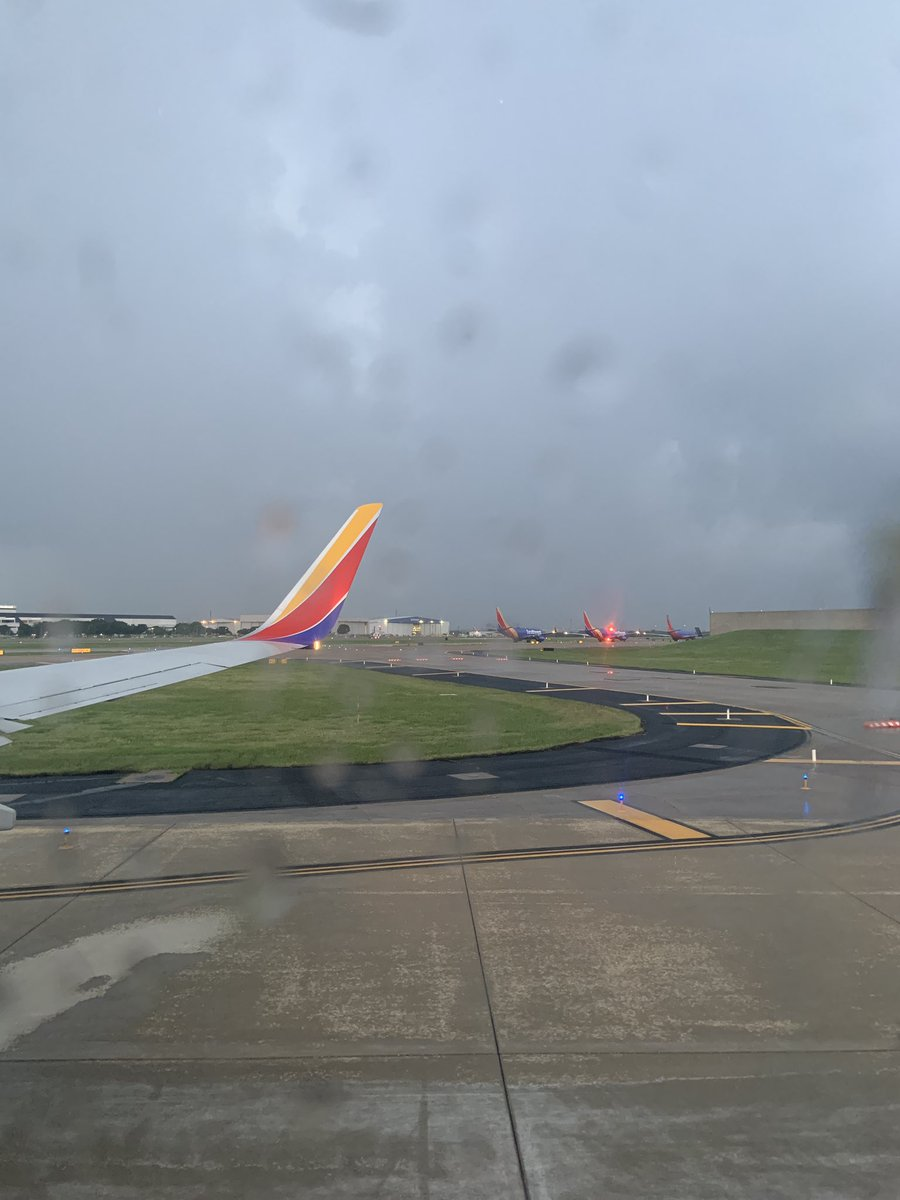 test Twitter Media - @JohnJvolter Thanks for the info! Apparently they got their frequencies back, but now we have to wait for the storm to pass & hopefully we can take off inbetween storms. I appreciate @IFLYSWA keeping us safe but this is CrAzY! https://t.co/NSFwjfRisB