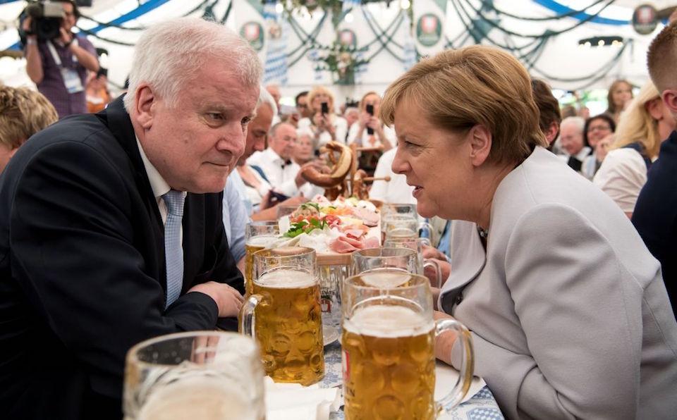"""Merkel advierte Europa ya no puede contar """"completamente"""" con EE.UU."""