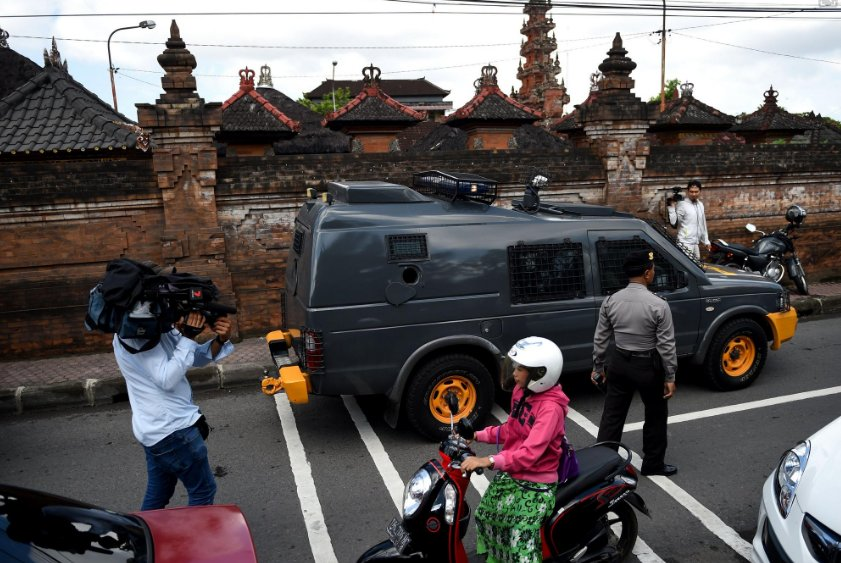 Australian drug trafficker Schapelle Corby to return home from Indonesia amid media storm