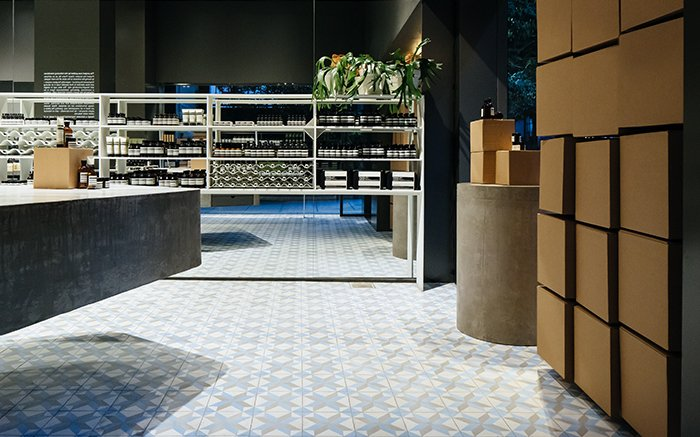 Aesop Oscar Freire provides a calm and intimate environment for conversations on skin care. #AesopSkinCare https://t.co/bNPVQRAQlE