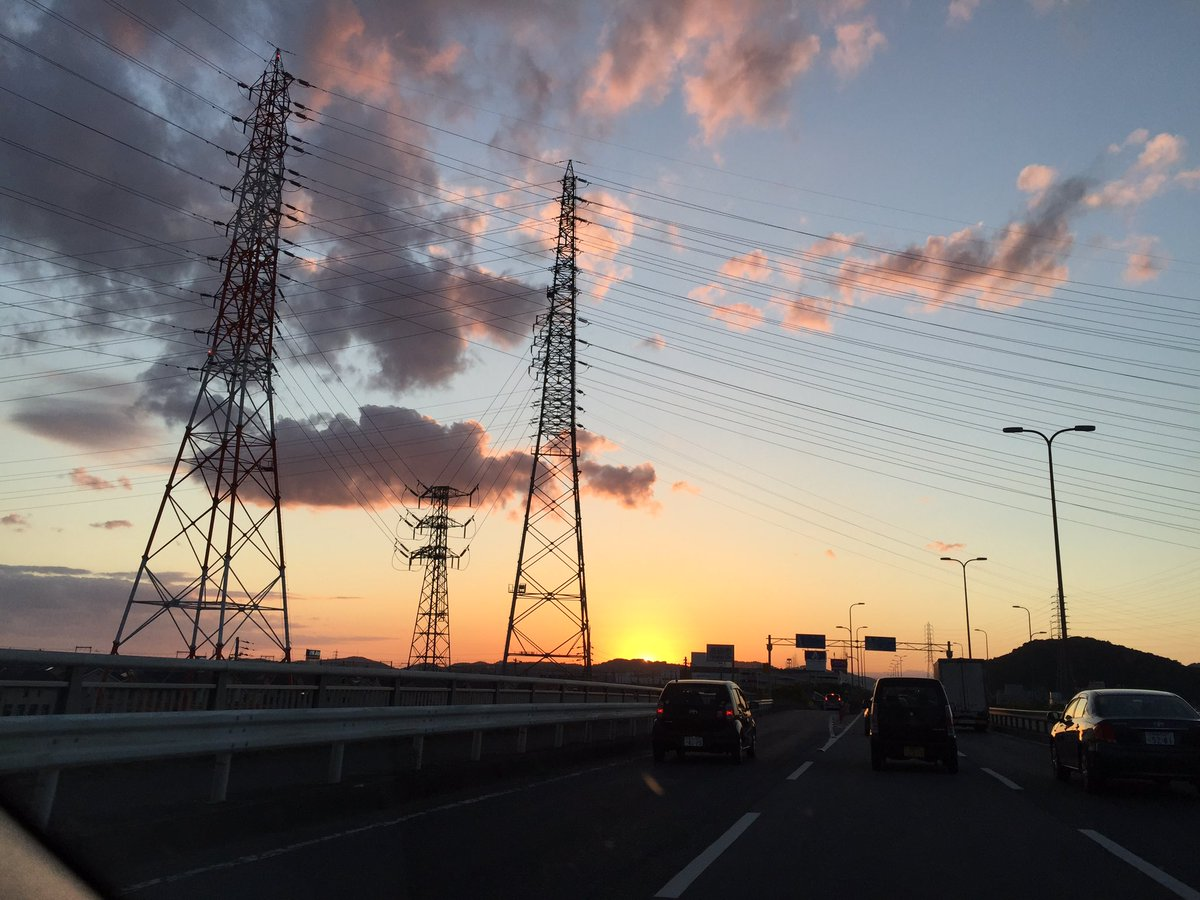 運営さんに送って頂いた時、めっちゃ夕日綺麗だったよ.。゚+.(*''*)゚+.゚ただ、夕日の沈むちょっと前の太陽光の眩し