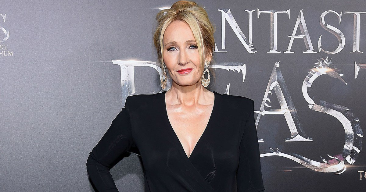 J.K. Rowling trolls HarryPotter-hating Trump supporters: