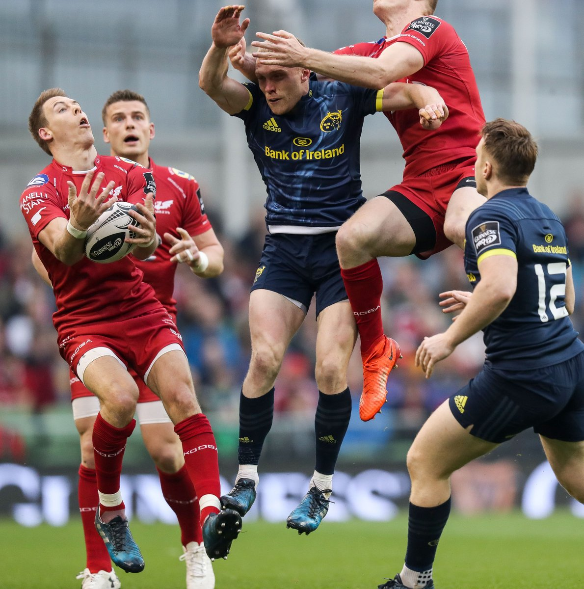 That's more like it,c'mon @Munsterrugby Still 40 minutes to take this back #MunsterRising #MUNVSCA https://t.co/kobwLVlzqN