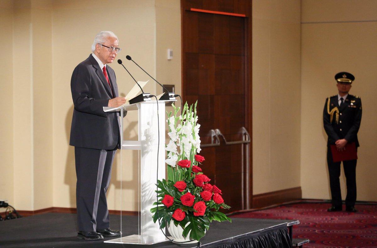 Seize opportunities in Poland, Czech Republic: President Tan