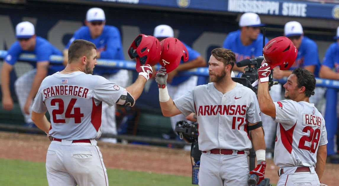 Arkansas blasts No. 1 seed Florida 16-0 in SEC semifinals, will face LSU in championship Sunday