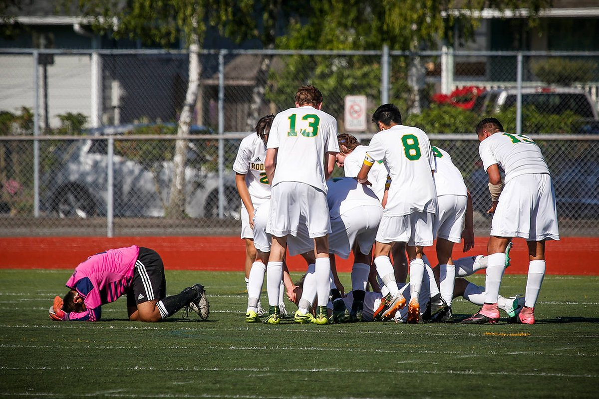 test Twitter Media - Roosevelt defense shuts down Snohomish in 3A title game https://t.co/YFnl1DvLRM https://t.co/FsAfMPyaYr
