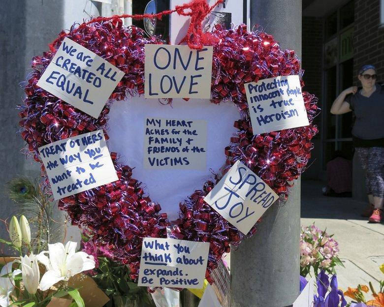 Portland mayor: 'Heroes' died protecting women on train from anti-Muslim rant