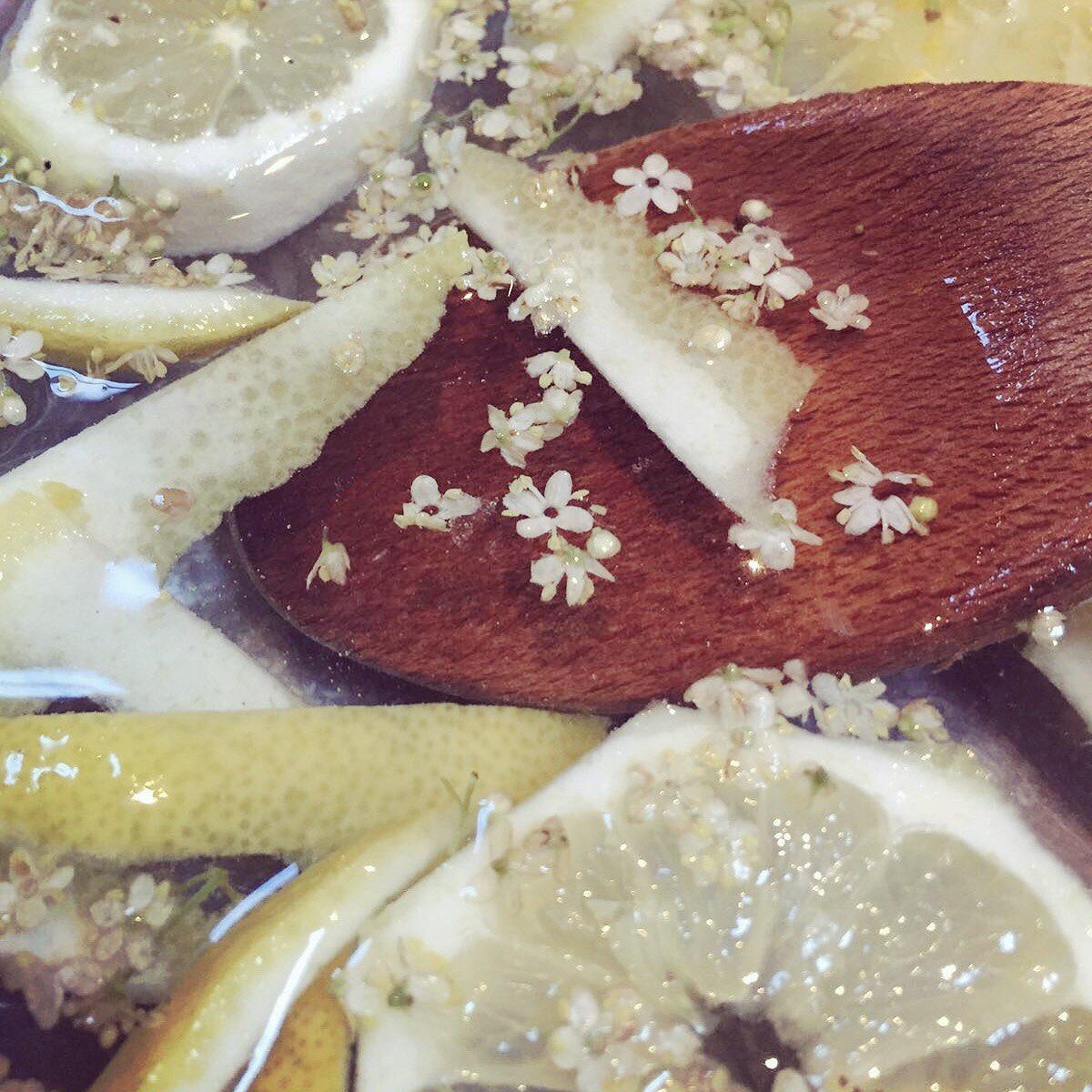 Making Elderflower Cordial ???????????? https://t.co/Rg0a99BFLO