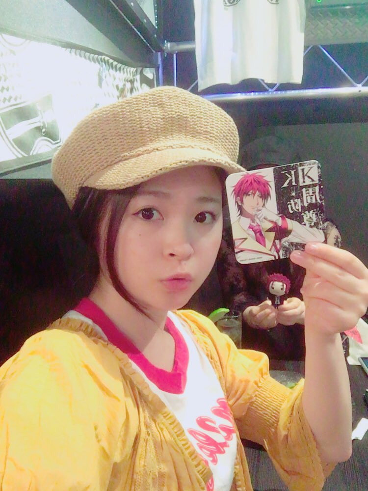 姉が大好きな、#anime_K のカフェに来た☕️周防尊っていうキャラが好きらしく、コースターが当たってテンション高い🤙