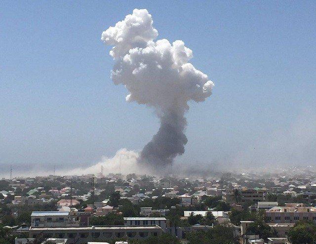 Three Somali soldiers killed defusing bomb