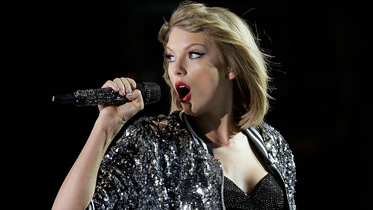 Taylor Swift has a new boyfriend! ??