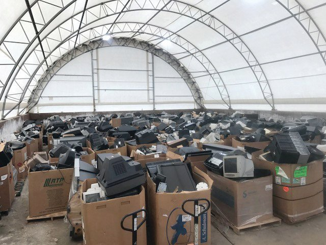 Overload: #Arvada recycling event collects more than it can handle https://t.co/rBfVOvfrgs https://t.co/6w75AEjrzN