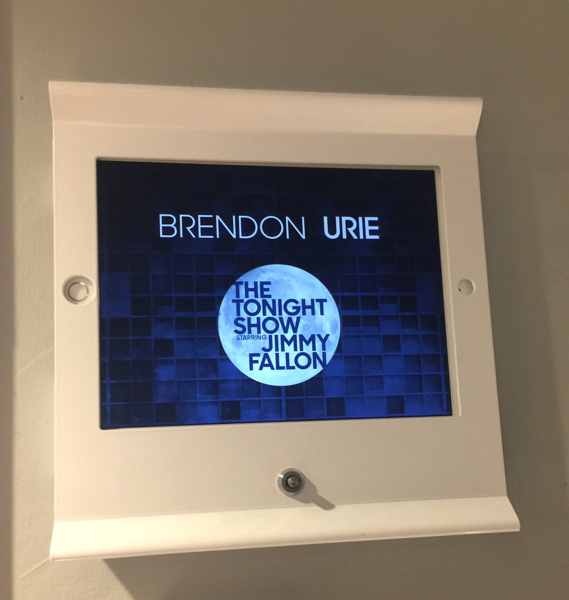 Catch @brendonurie sitting in with @theroots on @fallontonight - 11:35/10:35c on @nbc! https://t.co/9UCQqSmxpo