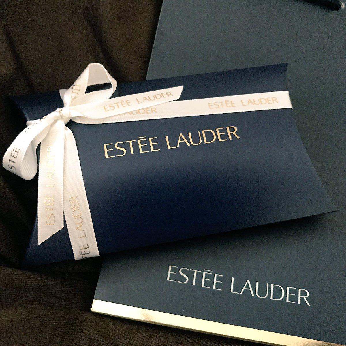 ルパンから私にプレゼントが届きました!リップのプレゼントなんて粋なことしてくれるわルパン。しかもイニシャルまで入ってる(