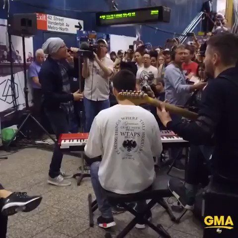AHEAD ON @GMA: @linkinpark pops up under NYC's Grand Central Station for a surprise concert! https://t.co/VvlriJEk6z