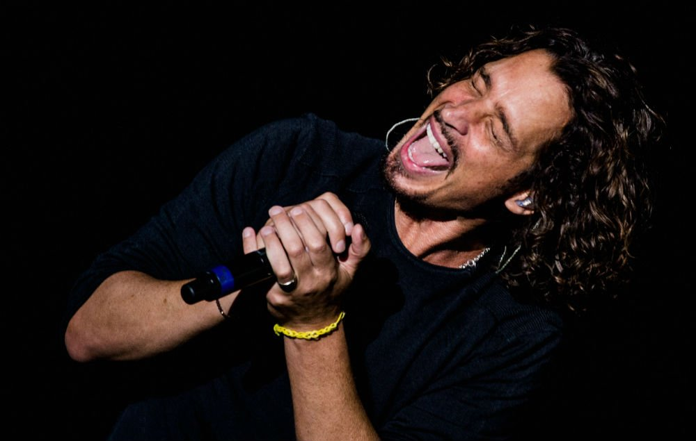 Soundgarden and Audioslave singer Chris Cornell has died, aged 52 https://t.co/Nn745EvJjq https://t.co/aUTquN7kQr