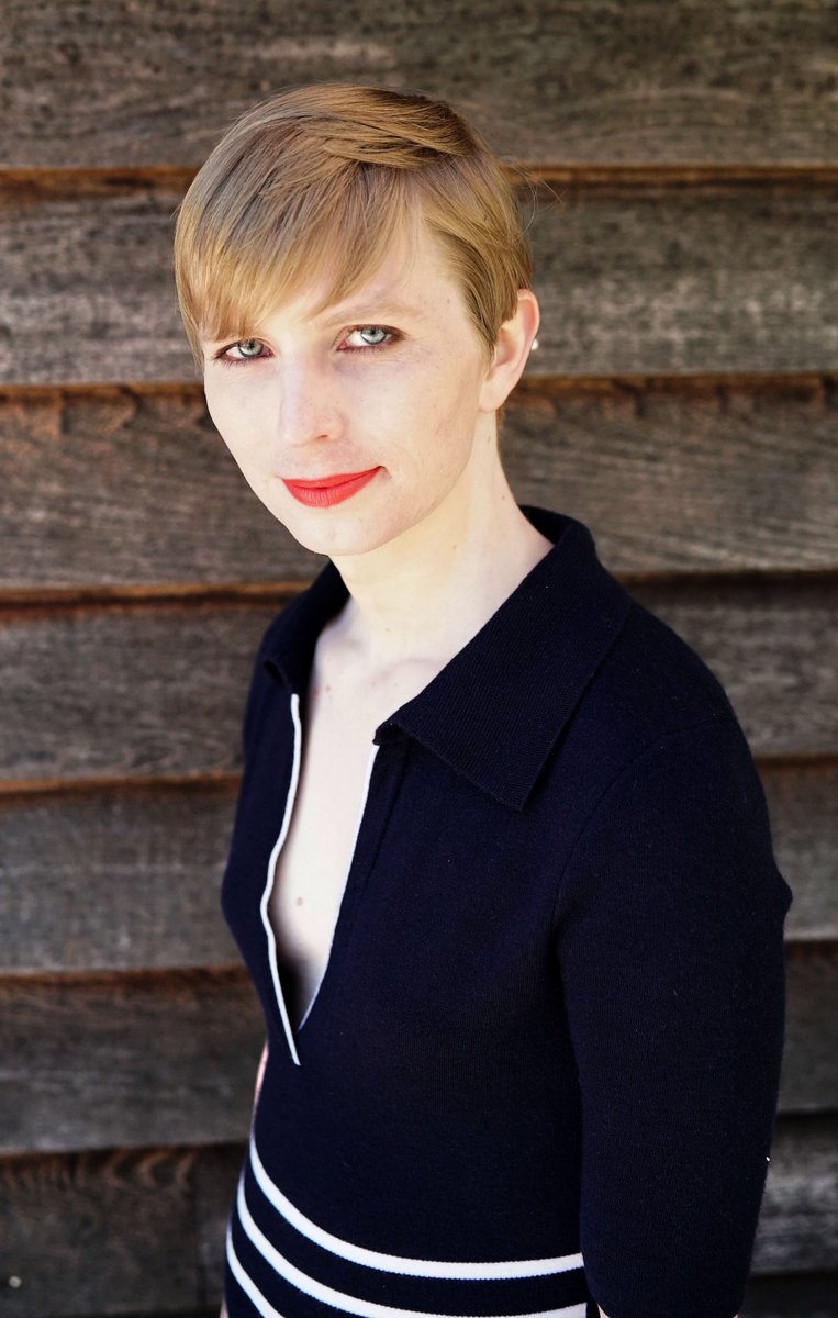 RT @xychelsea: Okay, so here I am everyone!! =P  https://t.co/NuyZlcWfd9  #HelloWorld https://t.co/gKsMFTYukO