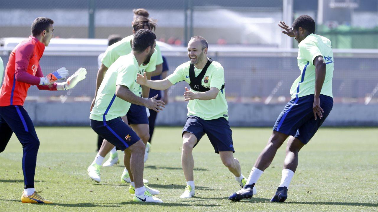�� The best photos from Thursday's training session: https://t.co/1znOJaL18O ���� #ForçaBarça https://t.co/TRs0ji3zcx