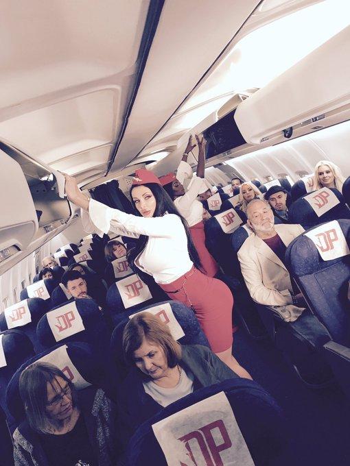 I'm an assasin/flight attendant today https://t.co/sobneIqWH2