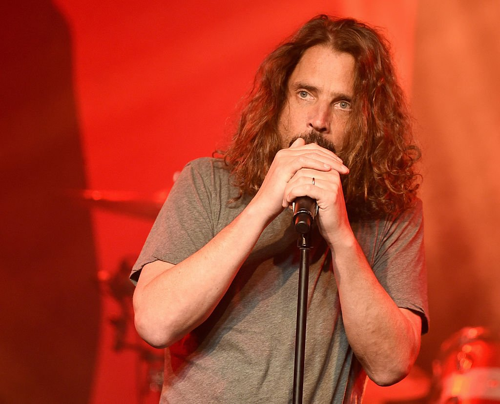 R.I.P. Chris Cornell, the frontman of Soundgarden �� https://t.co/QTe2SOtsaO https://t.co/uFvlfLQQMo
