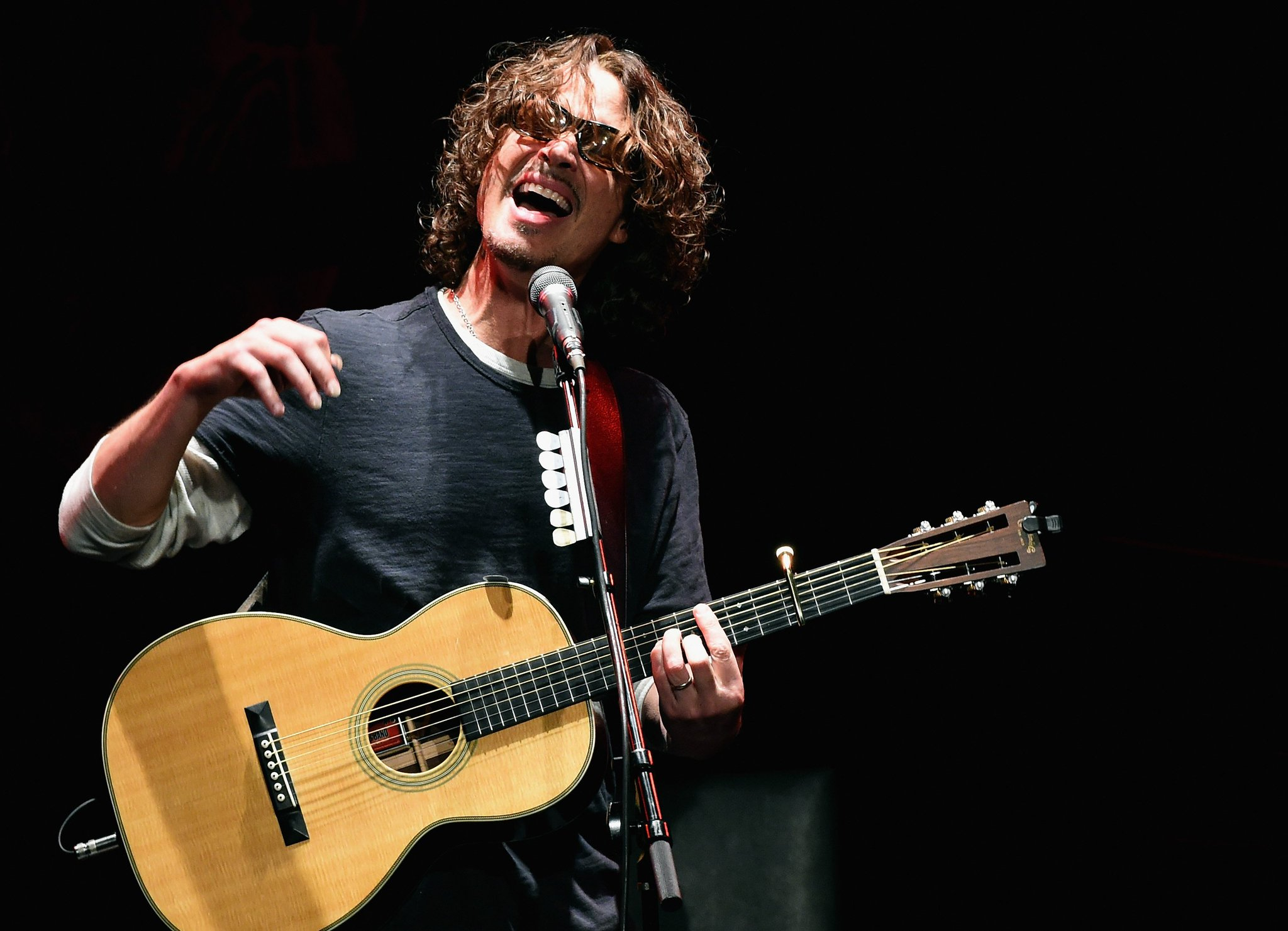 15 essential Chris Cornell songs https://t.co/JOAbbbohU4 https://t.co/krjRFtzPhE