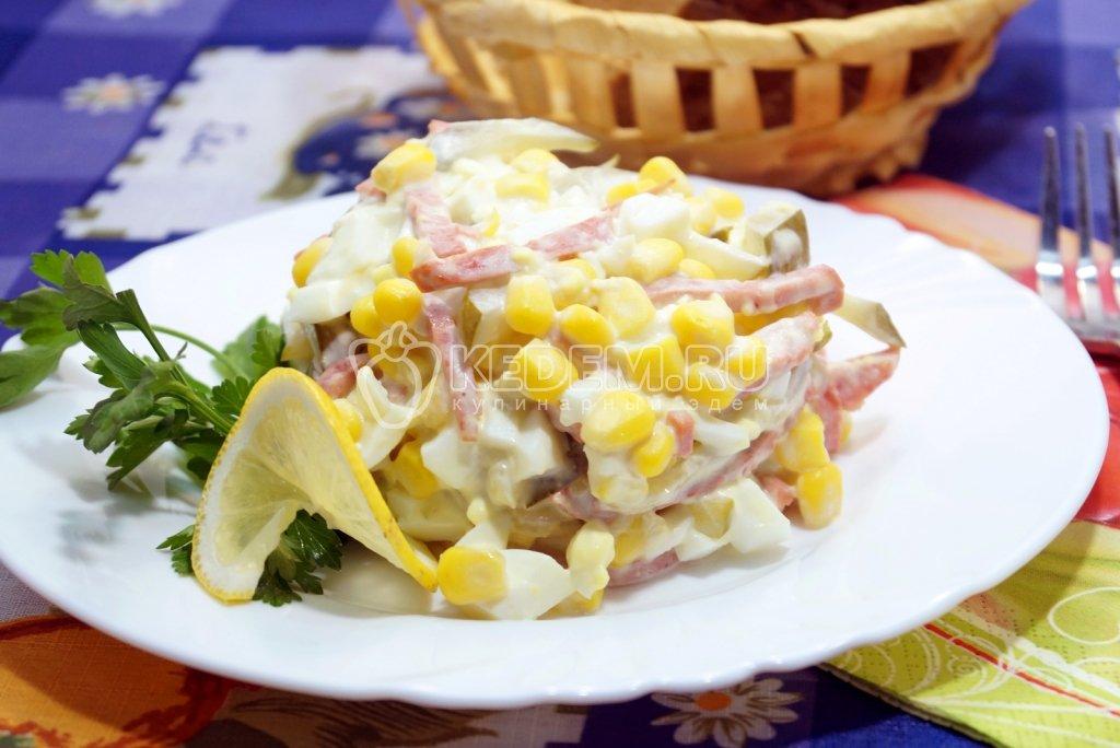Простые салаты с маринованными огурцами рецепты с