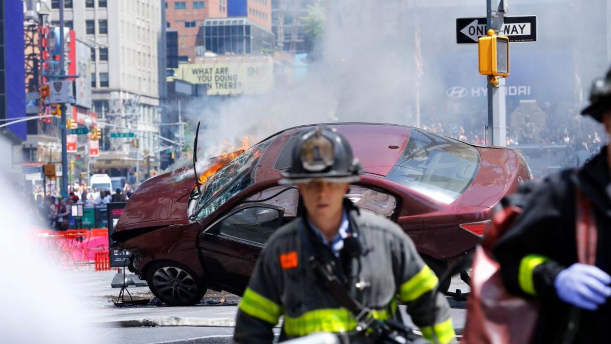 Everything we know about the horrific car crash in Times Square: https://t.co/8ICfWdOaPc https://t.co/JgakoFR5XY
