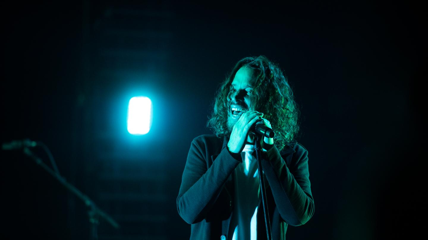 UPDATE: The medical examiner has confirmed Chris Cornell's death was a suicide https://t.co/xUhYyRhZn1 https://t.co/3V0iLqBBh4