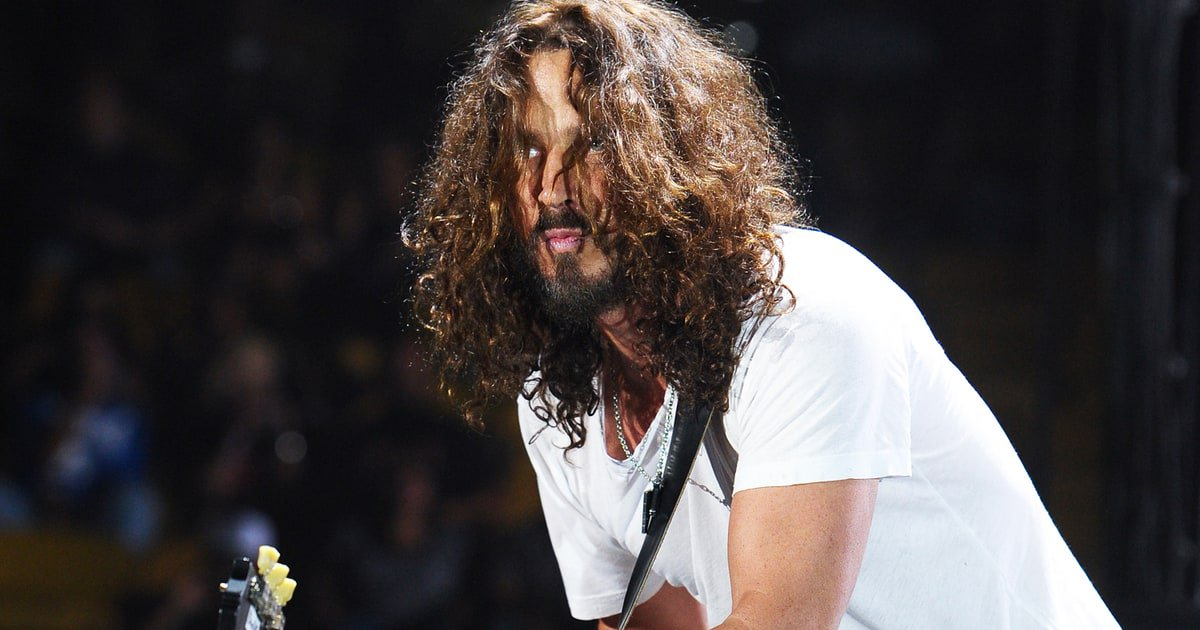 Watch Chris Cornell perform a solo acoustic cover of Pearl Jam's 'Better Man' in 2011 https://t.co/7uct8oT6Z5 https://t.co/tUsQO7cbUC