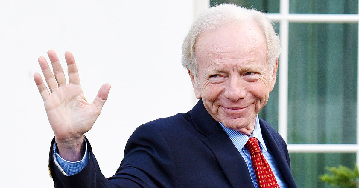 Trump is reportedly leaning toward Joe Lieberman for FBI director. That's a terrible idea https://t.co/A9Ez36toql https://t.co/CKg1PGVklY