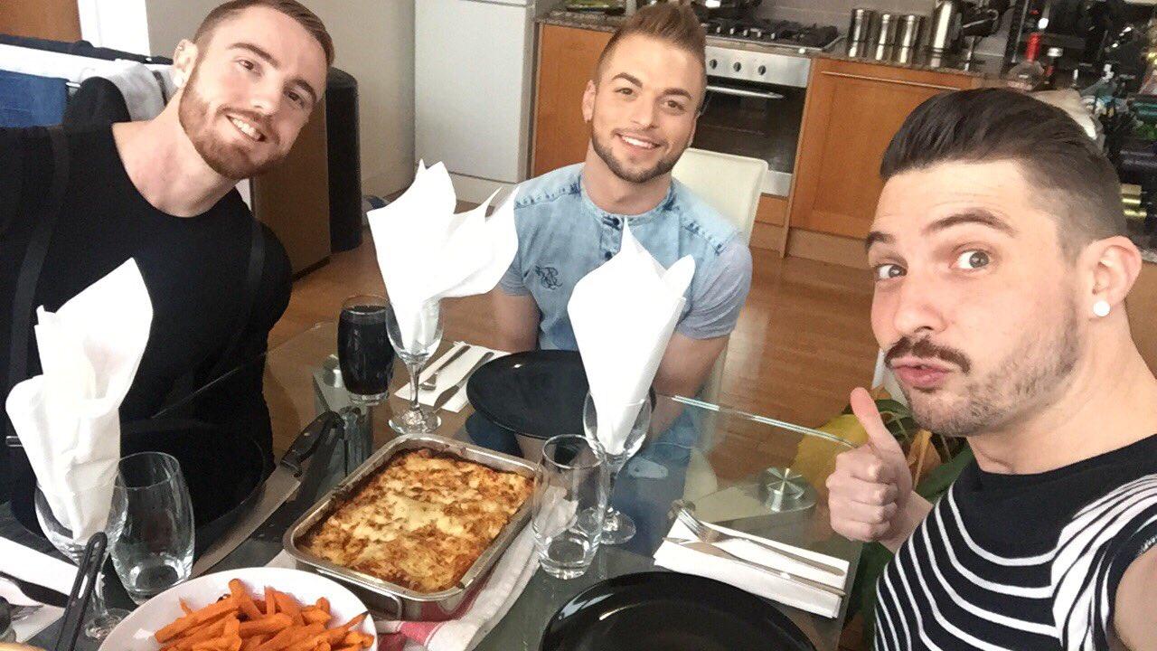 @DmitryOsten @koby_lewisXXX Nom nom lazzy lasagne ��thanks @koby_lewisXXX https://t.co/wbtgZ2OUej