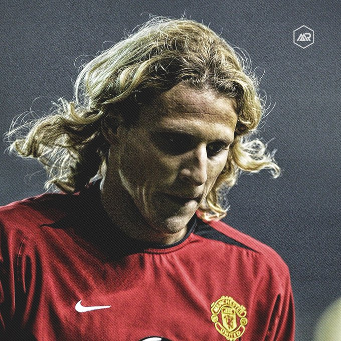 Happy 38th Birthday, Diego Forlan! Premier League : 1 FA Cup : 1 Community Shield : 1  Goals : 17 Match : 98