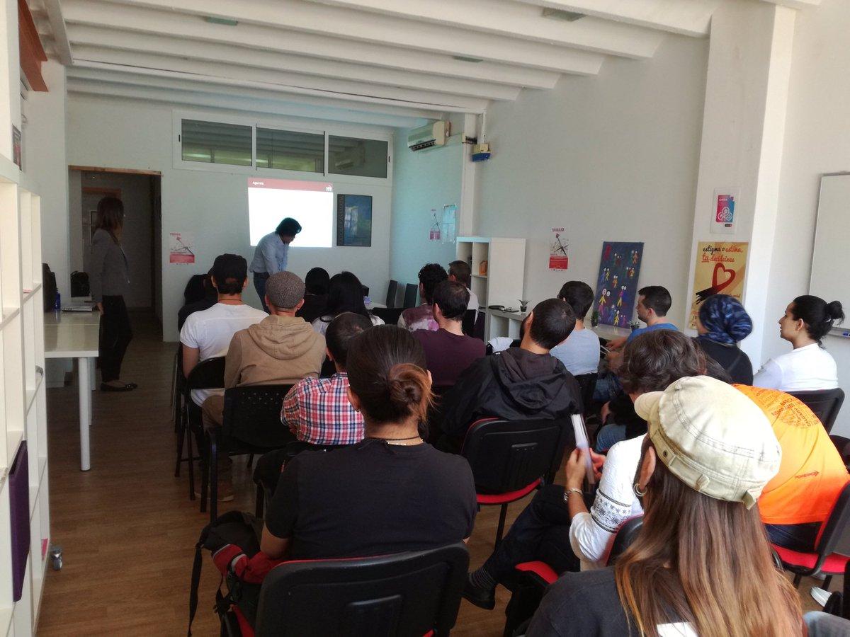 provar Twitter Mitjans - Ens ha agradat molt veure l'espai d formació tnt ple #Competèncieslaborals Moltes Gràcies @actuava @TrabEnPositivo @antisidalleida @abd_ong https://t.co/OUzZ9aYQRR