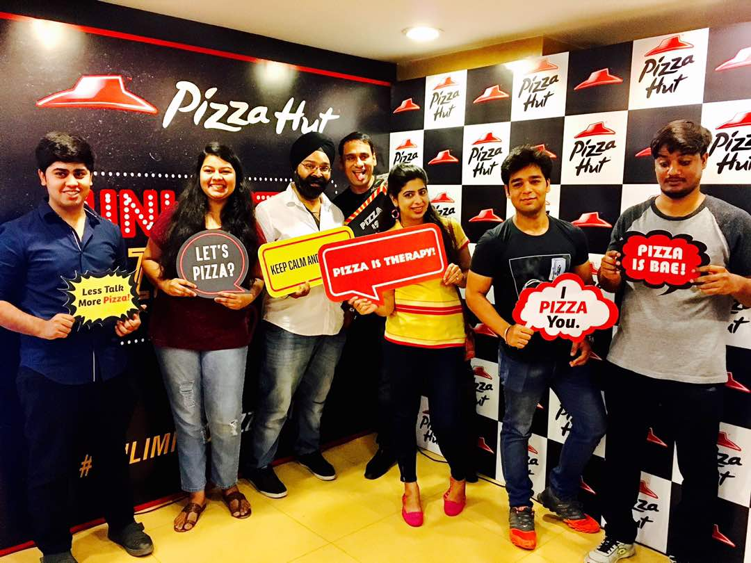 Music Bloggers And the tastiest pizzas It s a perfect combination for a rocking Friday UnlimitedPizzaFriday https t