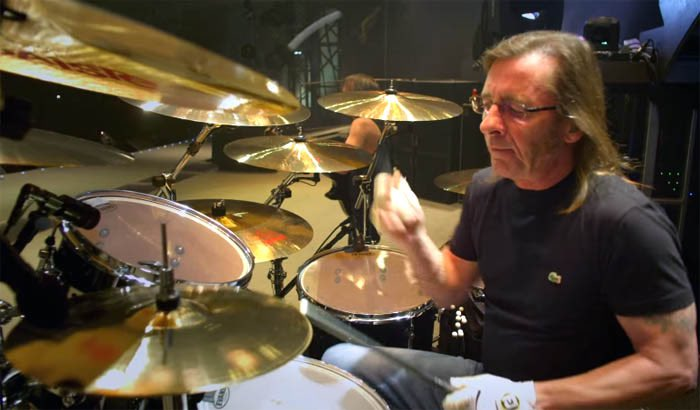 Happy birthday to the back bone of acdc, Phil Rudd.