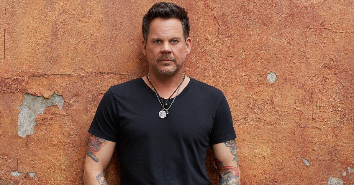 Hear Gary Allan return to heartbreak form on his new song 'Mess Me Up' https://t.co/9kItsxmfun https://t.co/i7Jgb1AyN0