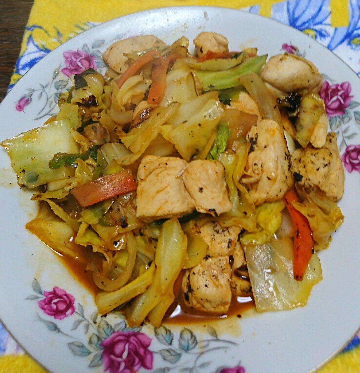 今日のささみさん今日はささみ野菜炒めを作り、ケチャップで煮て、スープ仕立てにしてみました。少し冒険が過ぎたようで、味は微