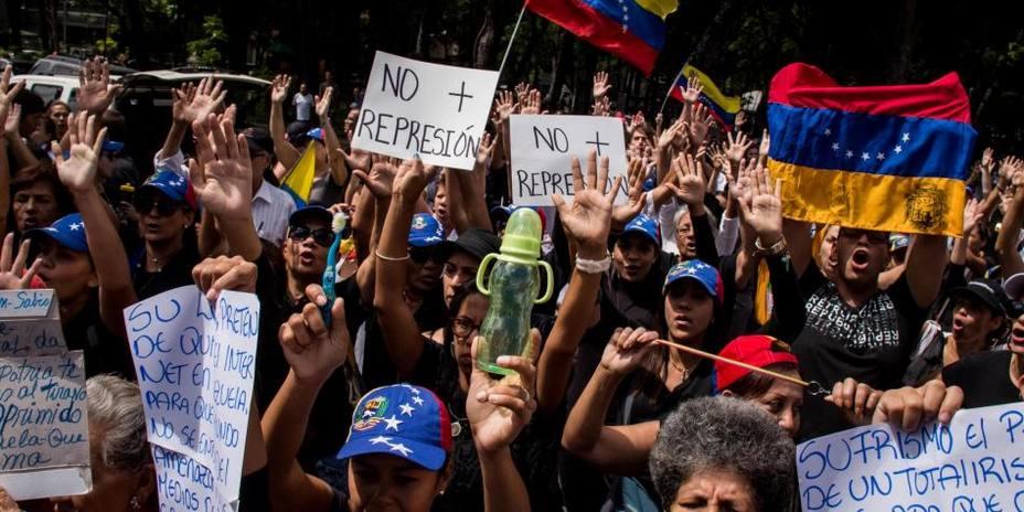"""Plan Zamora pretende ahogar en sangre el reclamo de los venezolanos"" https://t.co/sQpnFC0qSj https://t.co/upJJ9GKeXY"